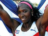 Cuban Pole-Vaulter Aims Higher than Five Meters in 2016
