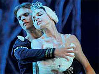 Swan Lake Returns to the National Theater