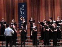 A choir of lady graduates from Smith College in the United States delighted Cuban audiences in Matanzas and Havana with pieces from the Italian baroque repertoire, during the two performances that made up its first visit to Cuba.