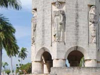 The development of tourism in Cuba attracts people interested in the monumental works seen in many of its cemeteries, which they can now visit thanks to guided tours that unveil the secrets of their graveyards.